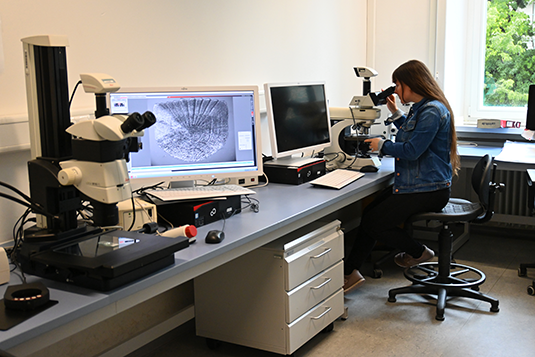 Microscopy room
