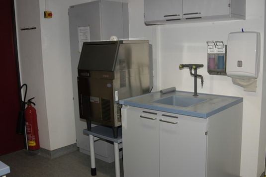 Ice machine in the Sample Preparation Lab
